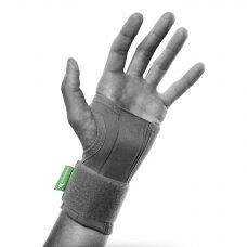 Universalus riešo įtvaras
